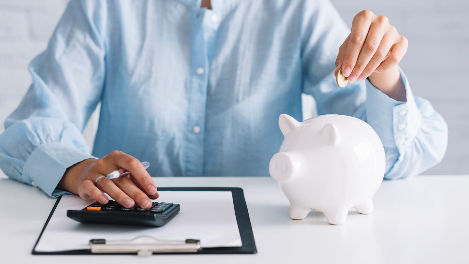 Bạn đang có một khoản tiền nhàn rỗi 100 triệu đồng nhưng băn khoăn nên làm gì để sinh lời từ số tiền này. GenVita sẽ giúp bạn giải bài toán đầu tư gì với 100 triệu để có lợi nhuận nhiều nhất.